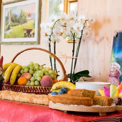 Frutta e dolci per la merenda