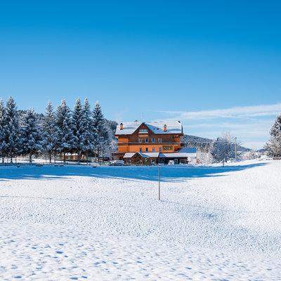 Hotel Asiago da Barba immerso nella neve